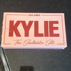 Kylie cosmetics-the soulmate set